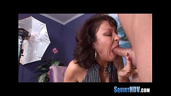 squirting messy pussy Blonde babe has a good gag reflex